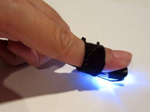 Технология на основе вибрации превращает любую твердую поверхность в сенсорный экран
